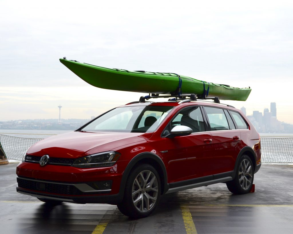 2017 Volkswagen Golf Alltrack and Full-Line Drive